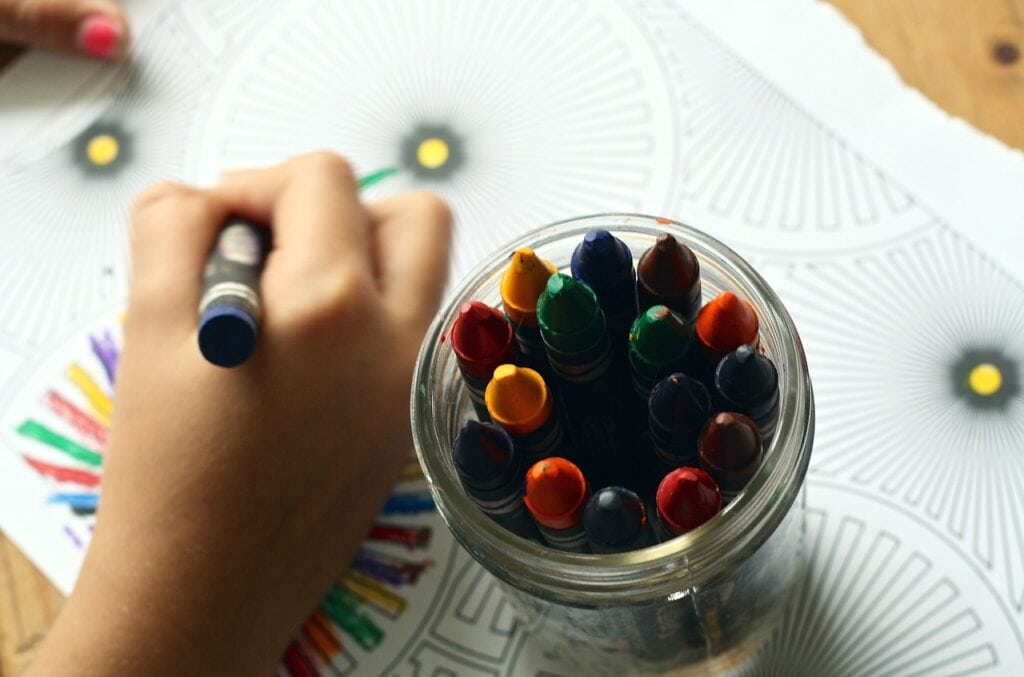 crayons-drawing