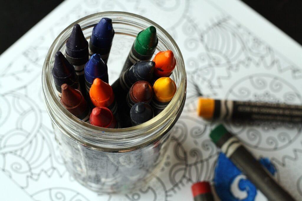 crayons-jar